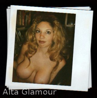 AMATEUR POLAROID - BUSTY BLONDE ORAL SEX