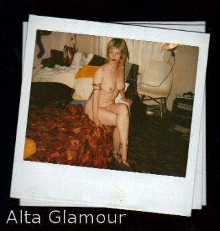 AMATEUR POLAROID - NICE BLONDE IN MESSY ROOM WITH BIG DOG