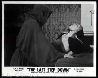ORIGINAL PHOTOGRAPH -- THE LAST STEP DOWN 13 -- MONK WITH BUSTY BLONDE