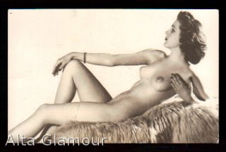 PHOTO POSTCARD -RECLINING NUDE FEMALE